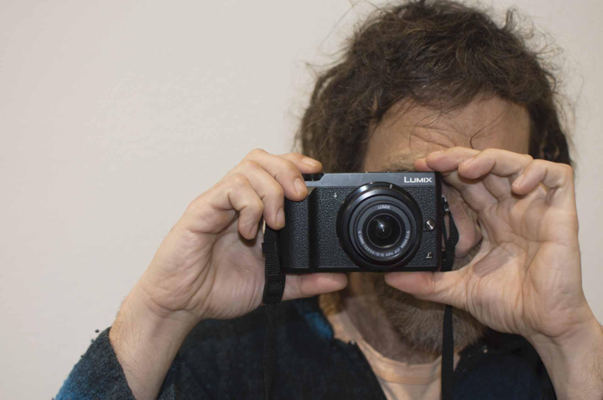 come impugnare la fotocamera